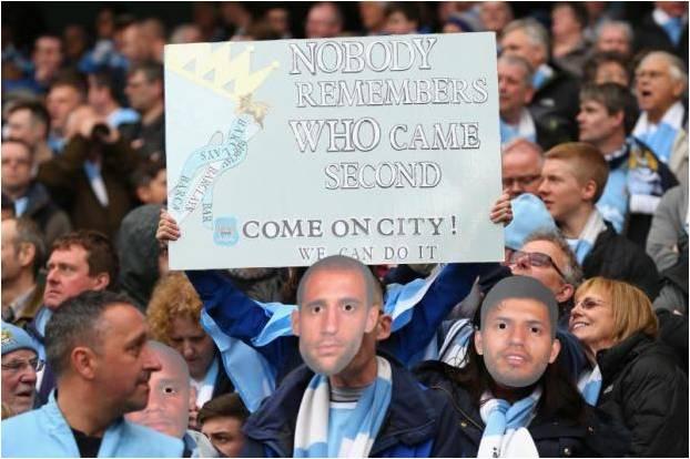 Fans Man. City Mengolok-olok Liverpool Dengan Banner